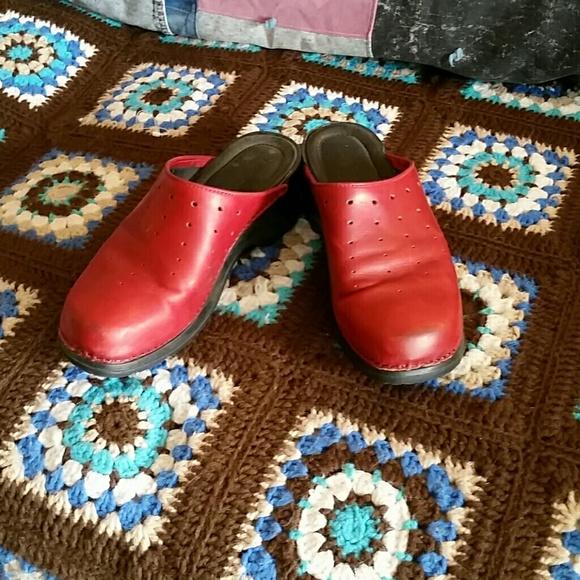 19895ec1af4a ModEllista Shoes - Red Leather ModEllista Clogs